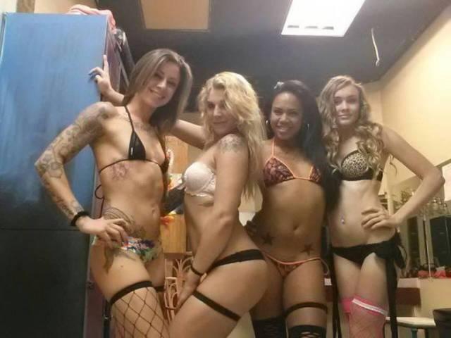 O-que-realmente-acontece-nos-bastidores-de-um-Club-de-Strip-6