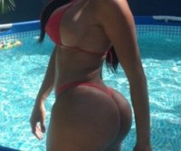 Carolina Petkoff – A maior bunda natural do mundo (Fotos e Videos)