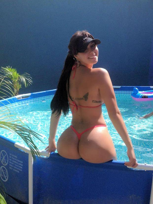 Carolia Petkoff a maior bunda natural do mundo fotos videos 43