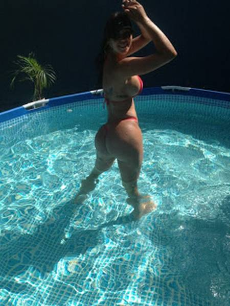 Carolia Petkoff a maior bunda natural do mundo fotos videos 44