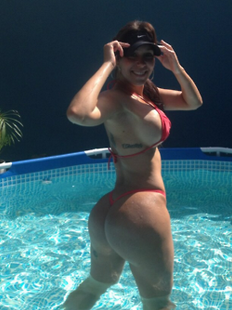 Carolia Petkoff a maior bunda natural do mundo fotos videos 5