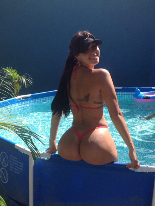 Carolia Petkoff a maior bunda natural do mundo fotos videos 7