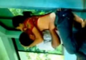 Casal De Bangladesh caiu na net transando dentro da escola - http://www.naoconto.com