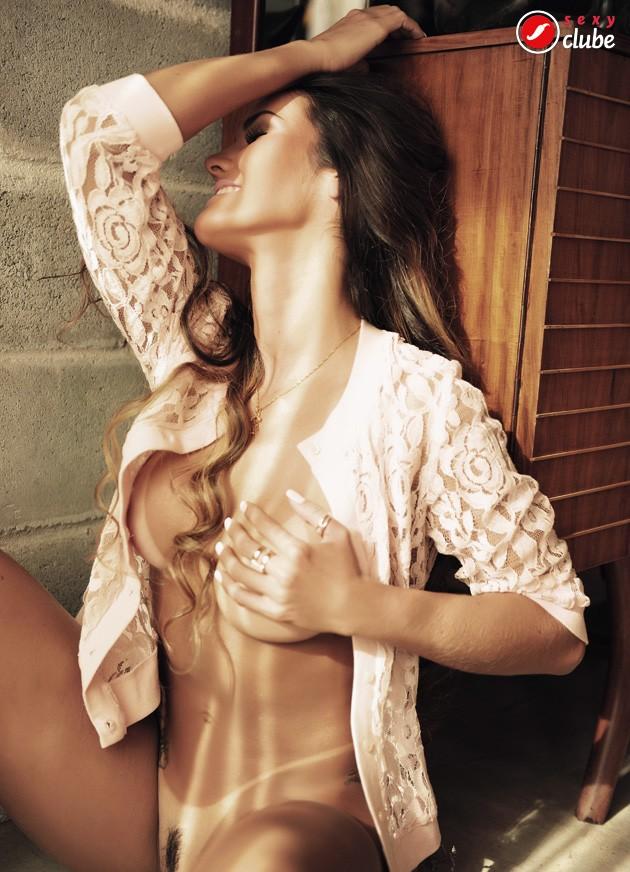 Fotos de Carol Muniz nua na revista Sexy de julho 28