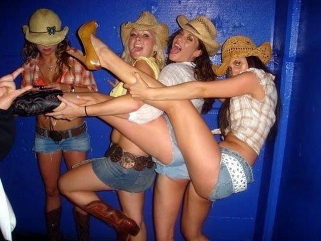 Quando as mulheres ficam bêbadas fazem cada coisa 14