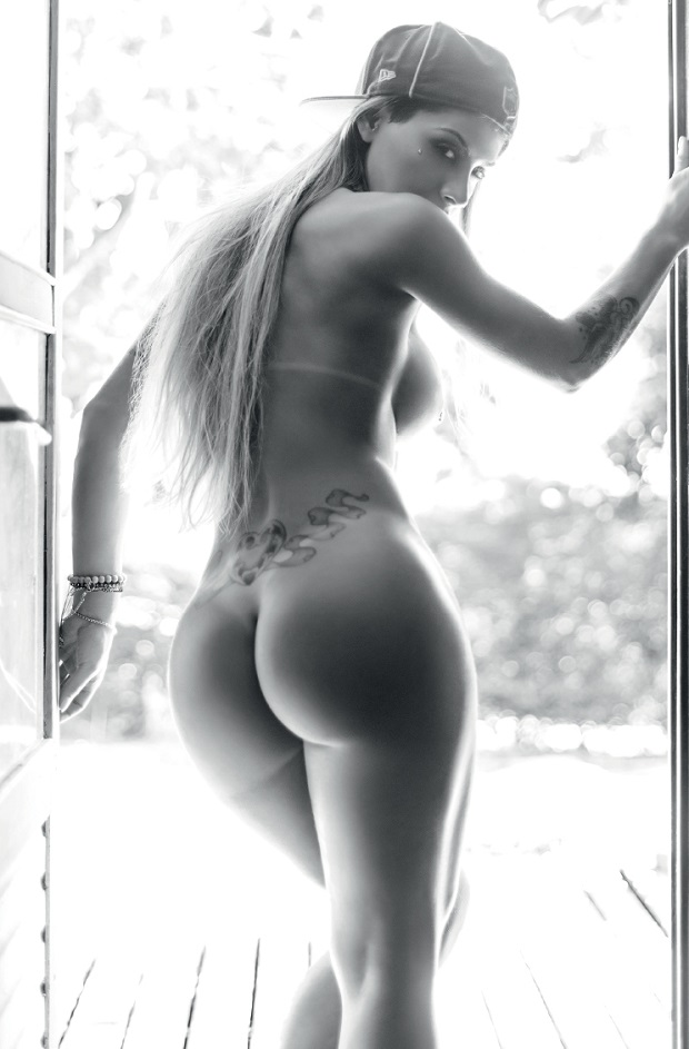Vanessa Mesquita pelada nua na Playboy BBB14 de Julho (16)