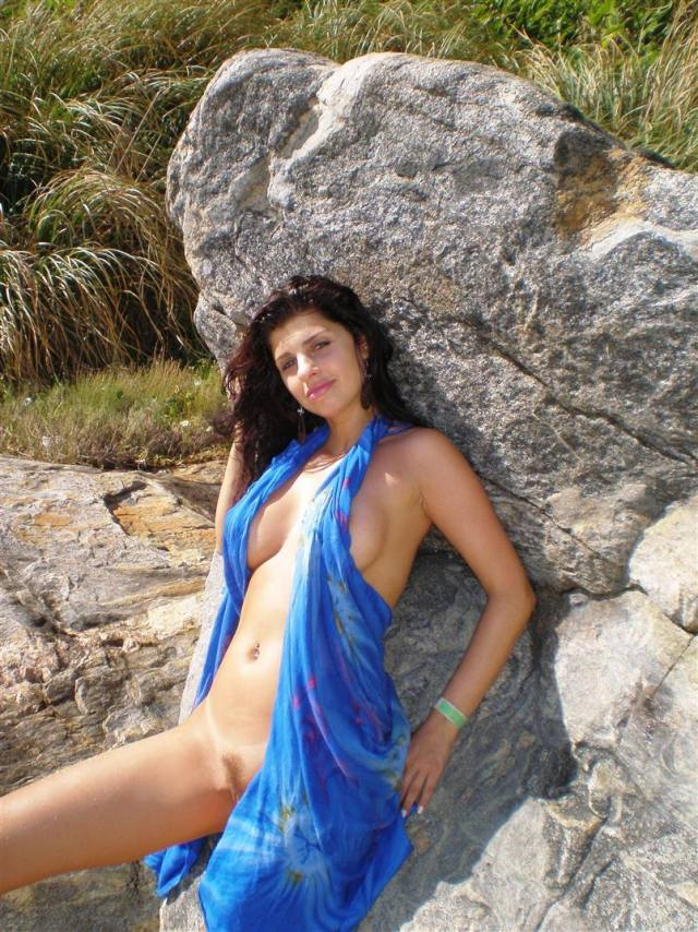 Esposa gostosona pelada na praia de Ilheus 19