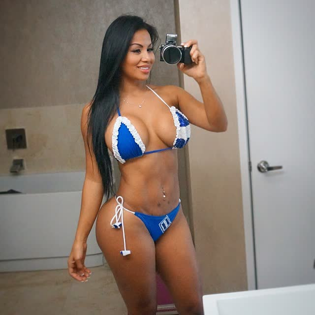 Fotos e videos da deliciosa Dolly Castro 18