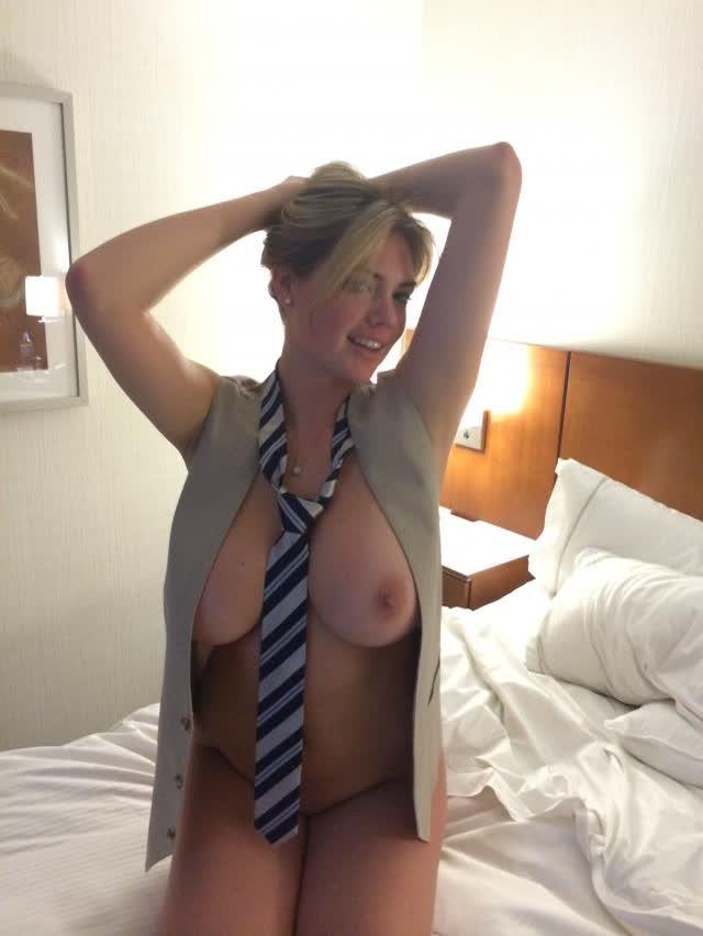 Kate Upton nude sextape amateur 30