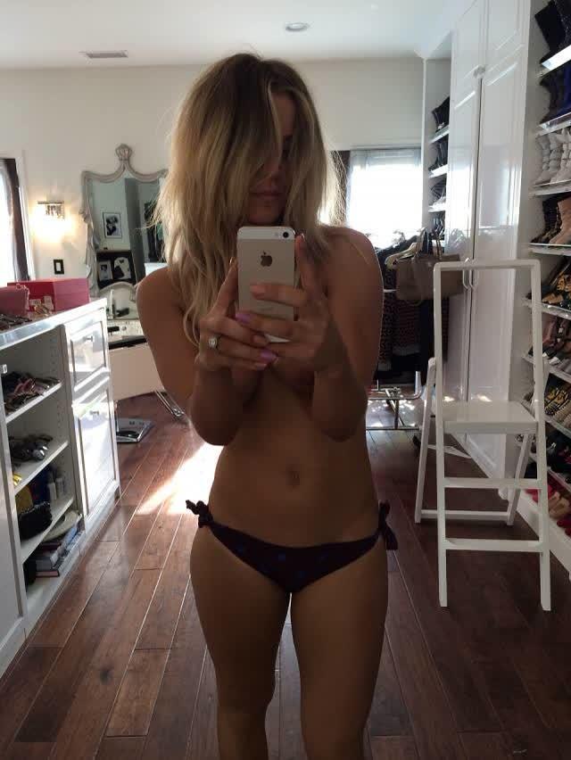 Site vaza fotos de Kaley Cuoco, Victoria Justice, Ariana Grande, Kate Upton e outras famosas nuas naked nude 4