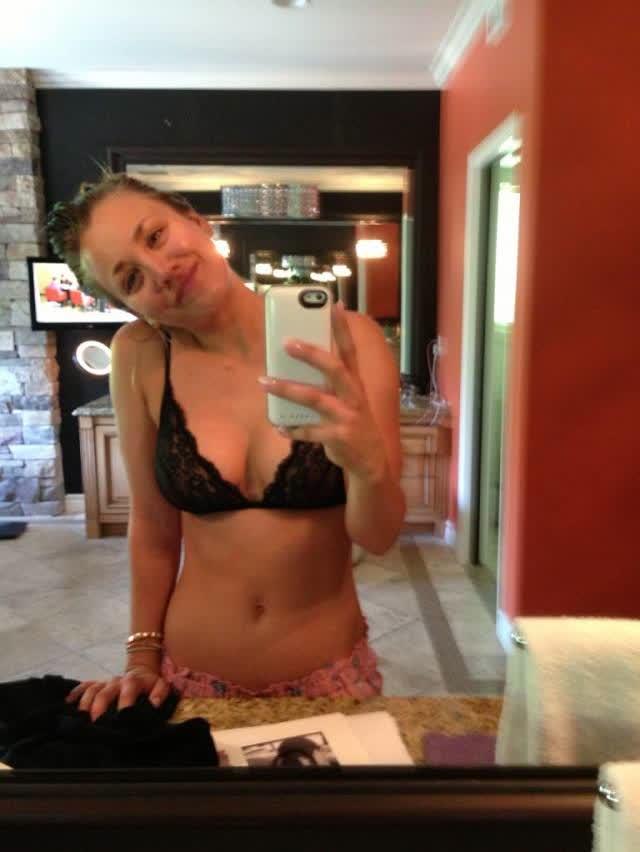 Site vaza fotos de Kaley Cuoco, Victoria Justice, Ariana Grande, Kate Upton e outras famosas nuas naked nude 8