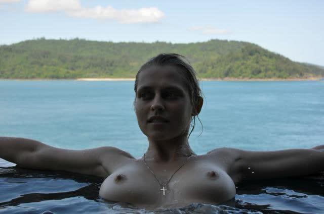 Teresa Palmer nude sextape amateur 1