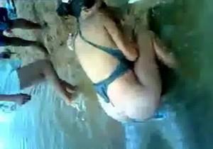 Sexo na lagoa com plateia e tudo