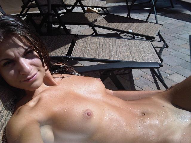 AnnaLynne-McCord-Naked-21