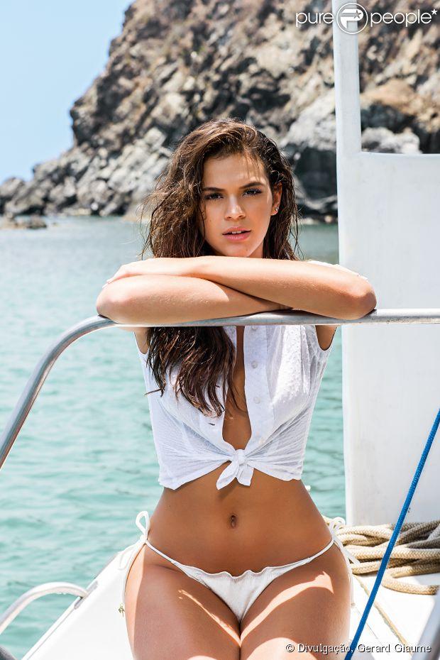 Fotos da Bruna Marquezine na revista VIP de novembro 2