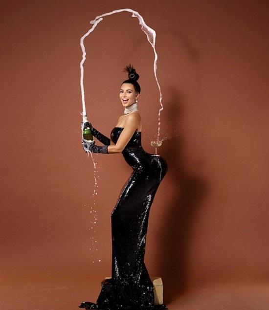 Kim Kardashian pelada na polemica revista americana Paper 2