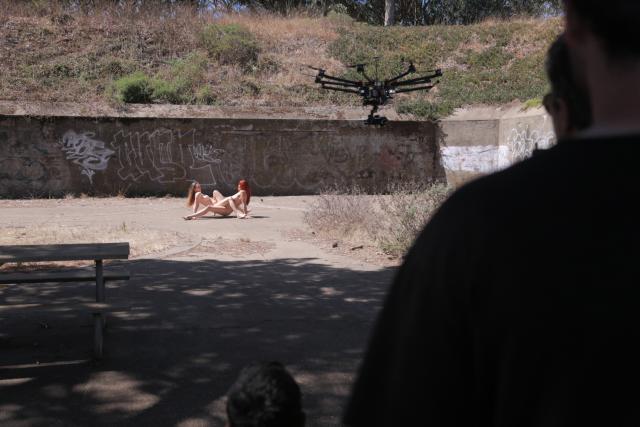 Primeiro vídeo pornô feito com drones nos EUA 3