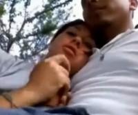 Namorada mamando no parque ecológico!