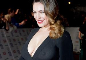 Atriz e modelo Kelly Brook caiu na net - http://www.naoconto.com