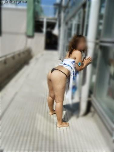 Caiu na net japonesa safada se exibindo no parque aquático em Wakayama Japao 15