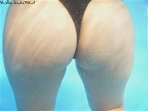 Caiu na net japonesa safada se exibindo no parque aquático em Wakayama Japao 32