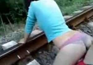 Transando na linha do trem