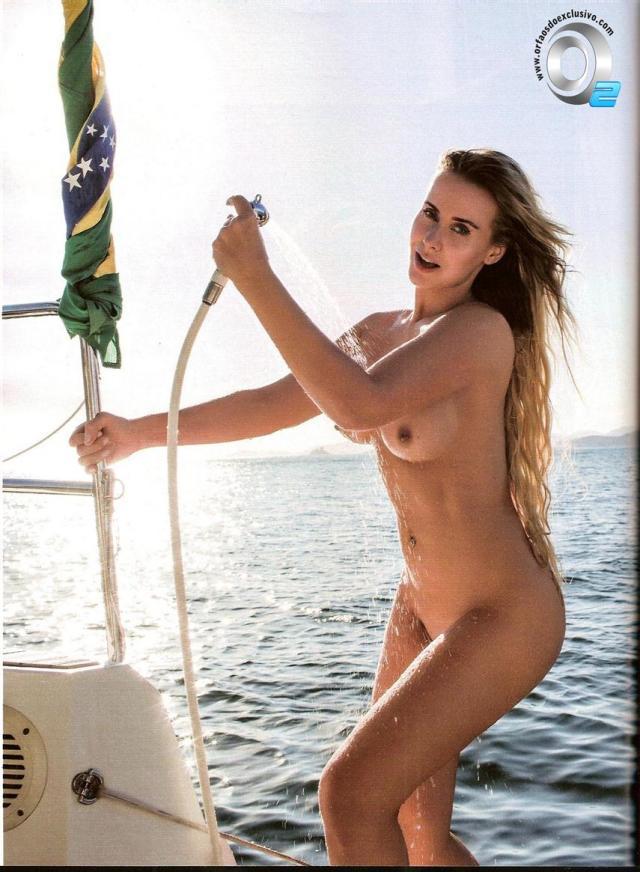 Veja fotos de Lola Melnick Nua Na Revista Playboy 23