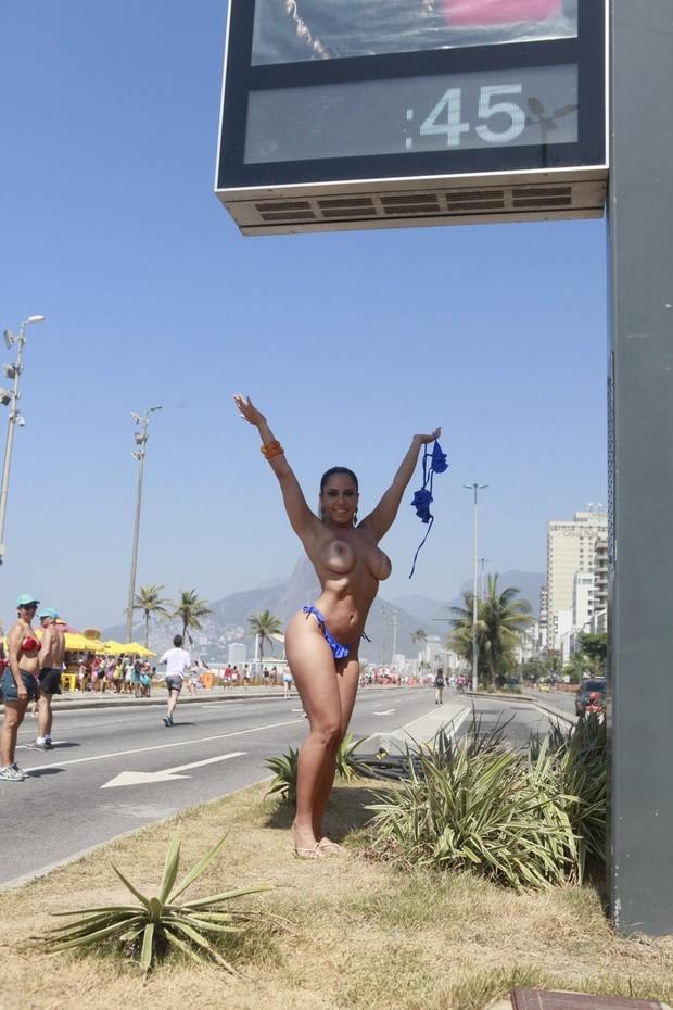 Fotos do toplessaço na Praia de Ipanema 13