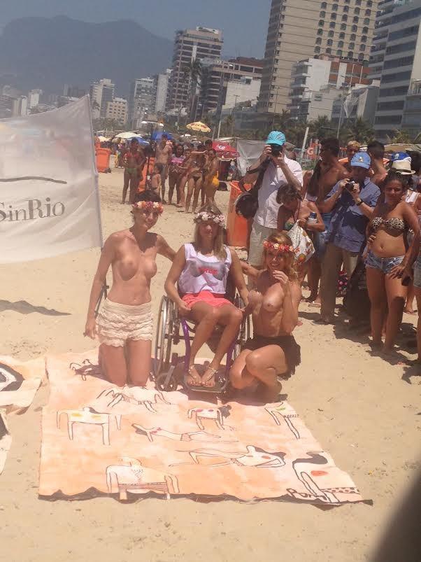 Fotos do toplessaço na Praia de Ipanema 22