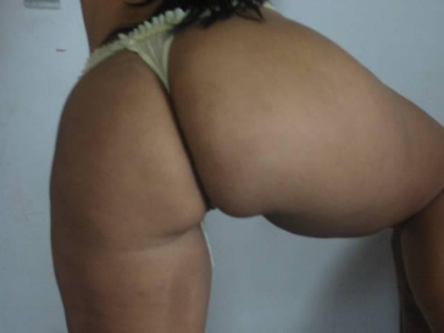 Morenaça sensacional deixa vazar fotos no whatsapp 13