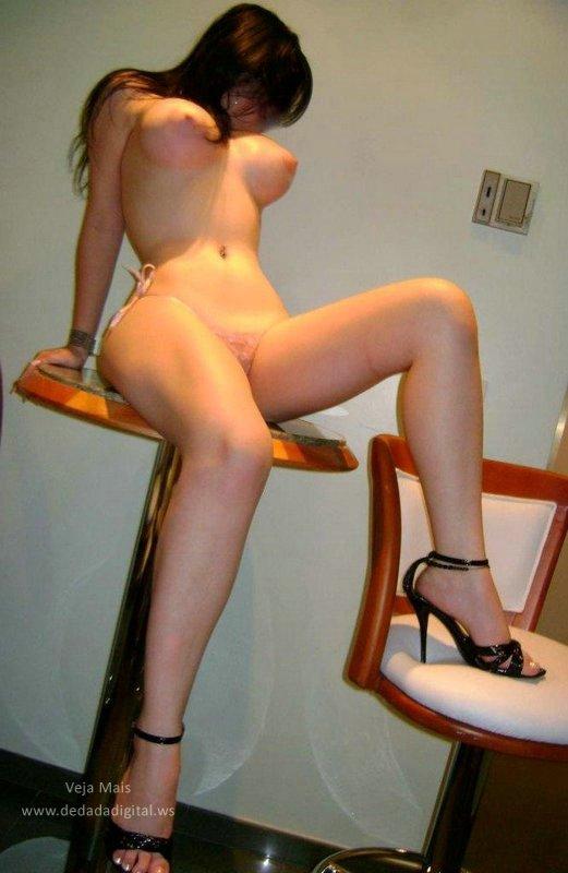 Priscila, a morenaça dos peitos perfeitos 3