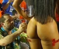 Mulheres flagradas peladas no carnaval