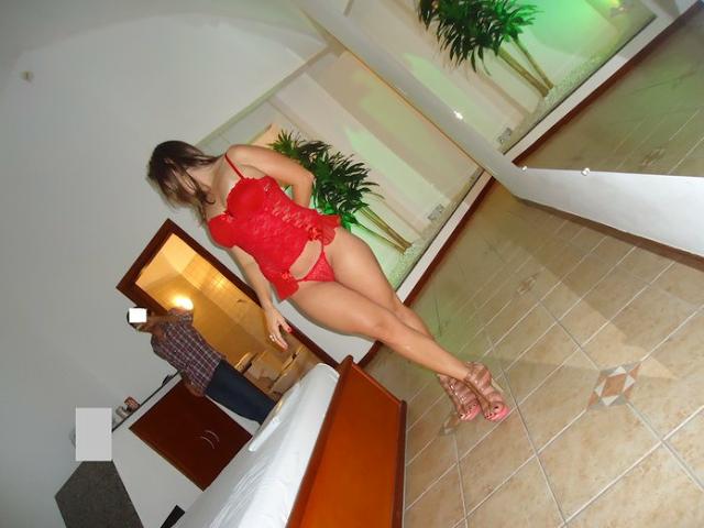 Esposa rabuda no motel 7