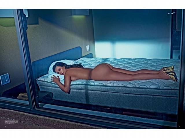 Fotos da Kim Kardashian nua na Love Magazine 11