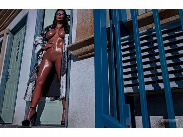 Fotos da Kim Kardashian nua na Love Magazine 4