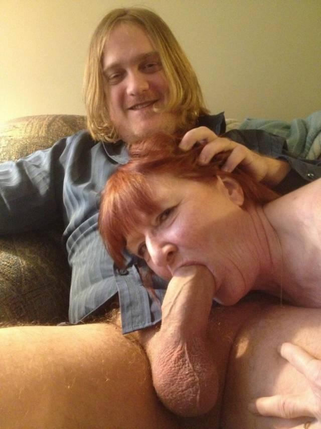 Maluco fez sexo com a mãe e posta fotos na net 1