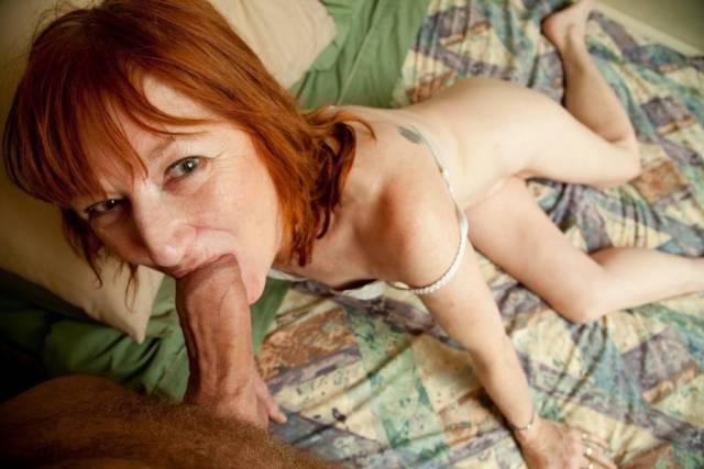 Maluco fez sexo com a mãe e posta fotos na net 2
