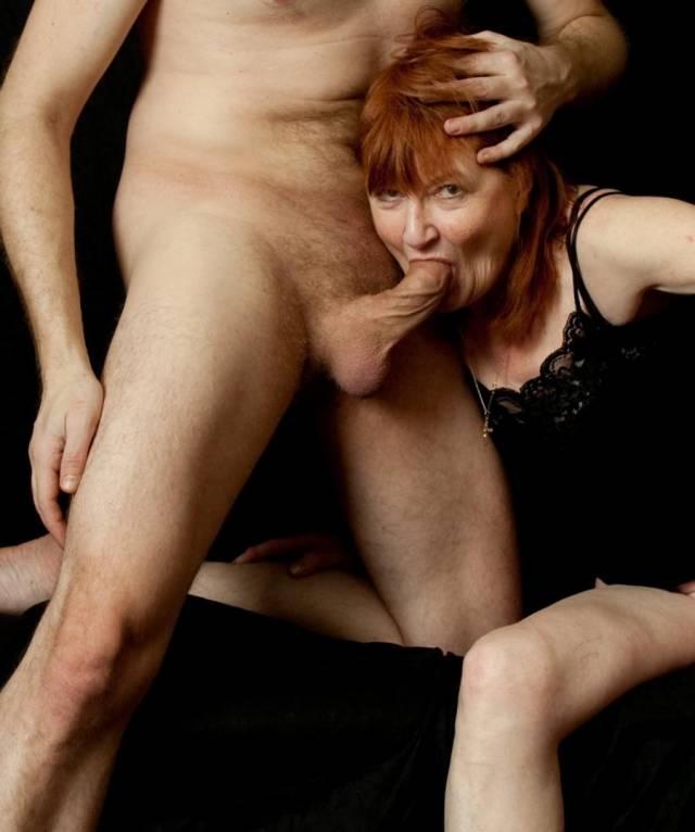 Maluco fez sexo com a mãe e posta fotos na net 4