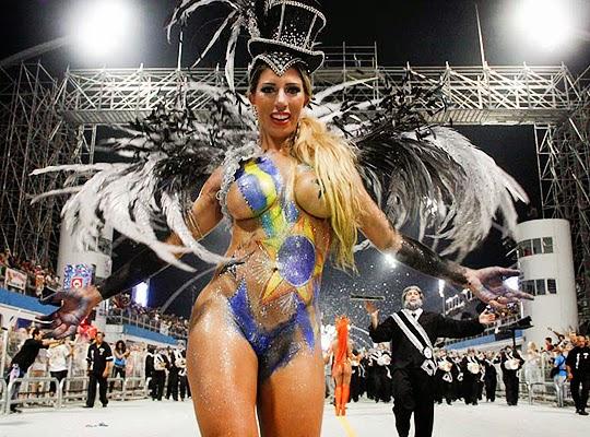 Mulheres peladas no carnaval 11