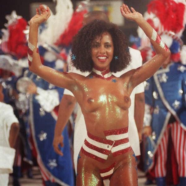 Mulheres peladas no carnaval 22