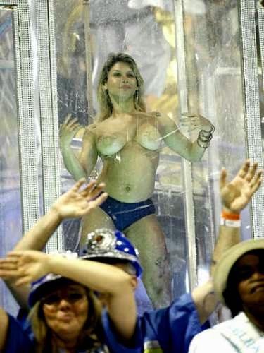 Mulheres peladas no carnaval 27