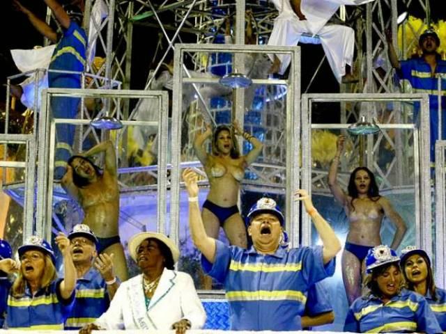 Mulheres peladas no carnaval 29