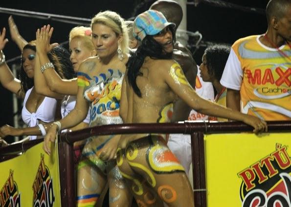 Mulheres peladas no carnaval 3