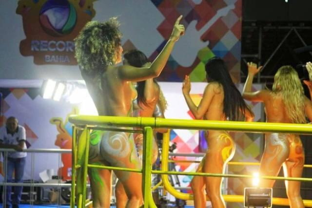 Mulheres peladas no carnaval 4