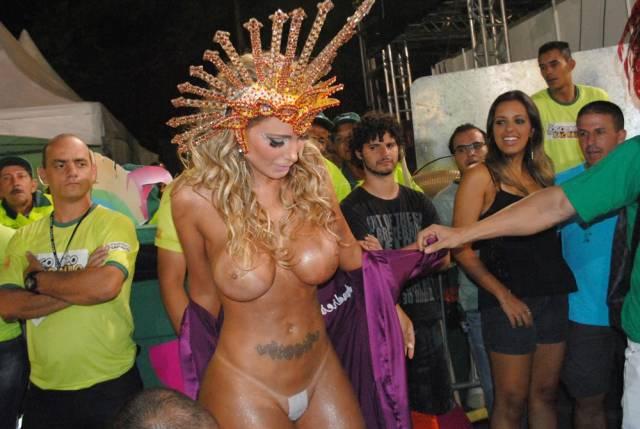 Mulheres peladas no carnaval 44