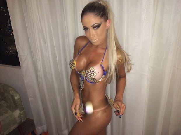mulheres nuas e sensuais sexo no carnaval