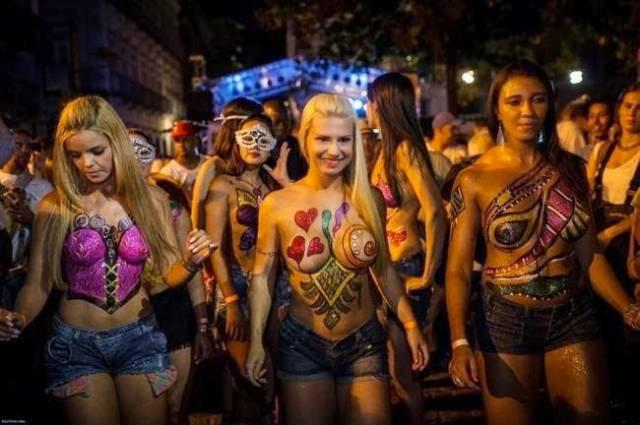 Mulheres peladas no carnaval 63