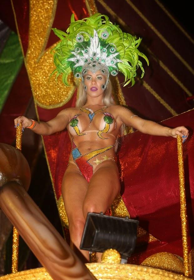Mulheres peladas no carnaval 66