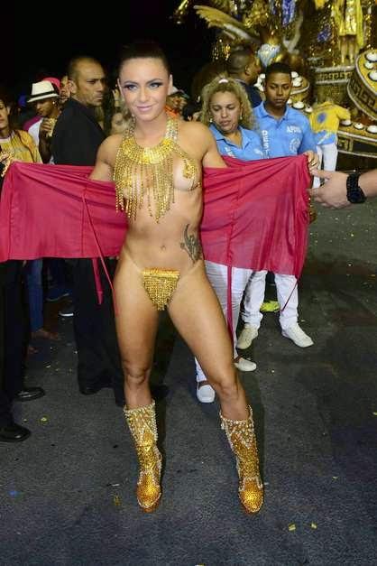 Mulheres peladas no carnaval 78