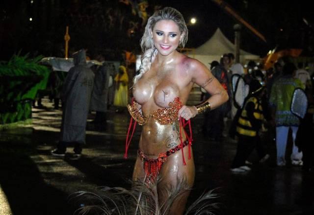 Mulheres Peladas No Carnaval Junia Cabral Destaque Da Peruche